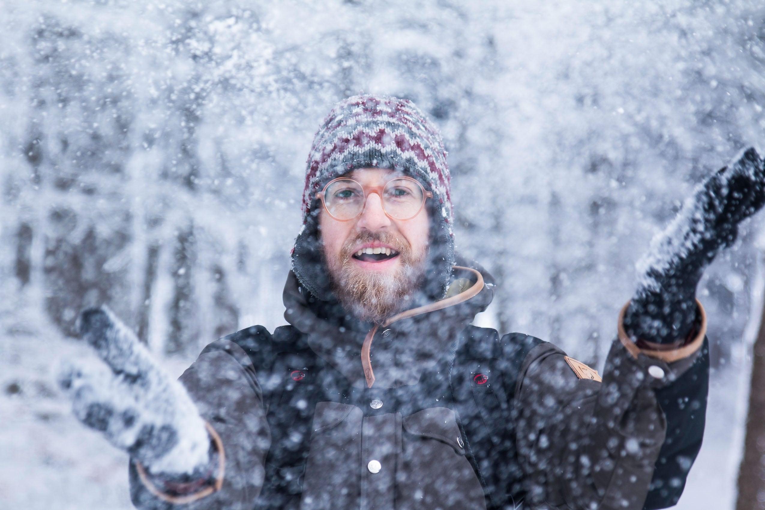 Porträt von Flo im Schneegestöber